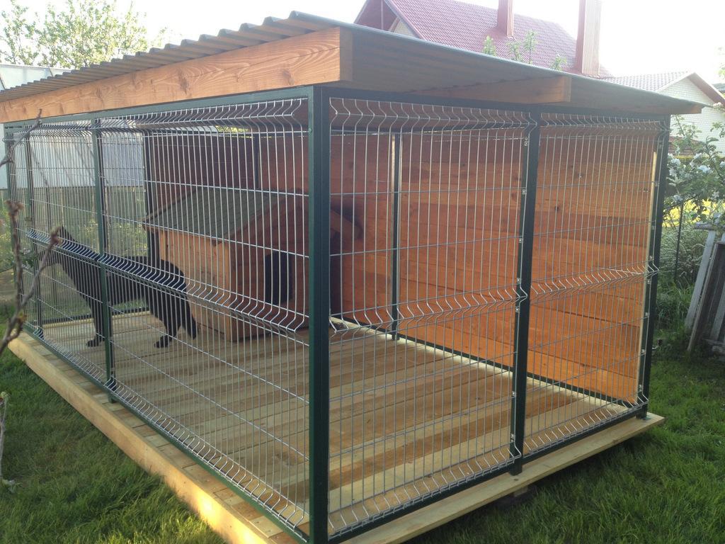 Вольера и будка для собак